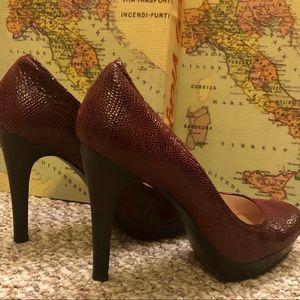 """8.5R, Pre-owned, Burgundy, 4.5"""" heels."""